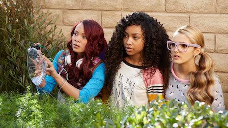 觀賞新來的女孩。第 1 季第 1 集。