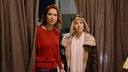 觀賞艾薩克·牛頓與愛蜜莉亞·埃爾哈特。第 1 季第 4 集。